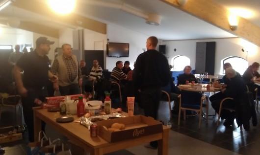 Idag var det Gårdsträff hos Patrik Johansson Månstad med 400 mjölk kor. Stor uppslutning-trevligt!
